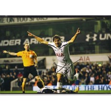 Signed photo of Benjamin Stambouli the Tottenham Hotspur footballer.