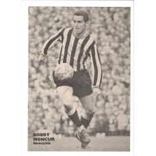 Signed Bobby Moncur A4 black and white picture