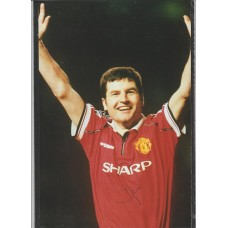 Signed picture of Manchester United footballer Denis Irwin