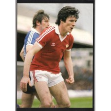 Signed picture of Manchester United footballer Frank Stapleton.