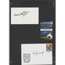 Signed card by Johnny Haynes the Fulham and England footballer.