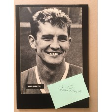Signed card & unsigned picture of Ian Greaves the Manchester United footballer.