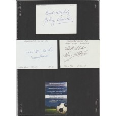Signed card of ERNIE BOND the MANCHESTER UNITED footballer.