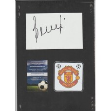 Signed card by Manchester United footballer Juan Sebastian Veron.