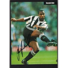 Signed picture of Les Ferdinand the Newcastle United Footballer.