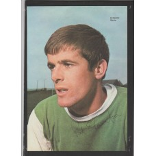 Signed picture of Pat Stanton the Hibernian footballer.