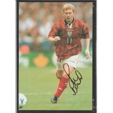 Signed picture of Paul Scholes Man United and England footballer.